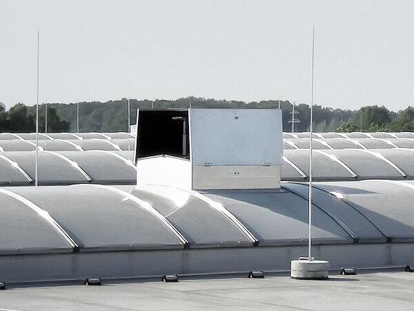 Lüftungsanlage auf Dach